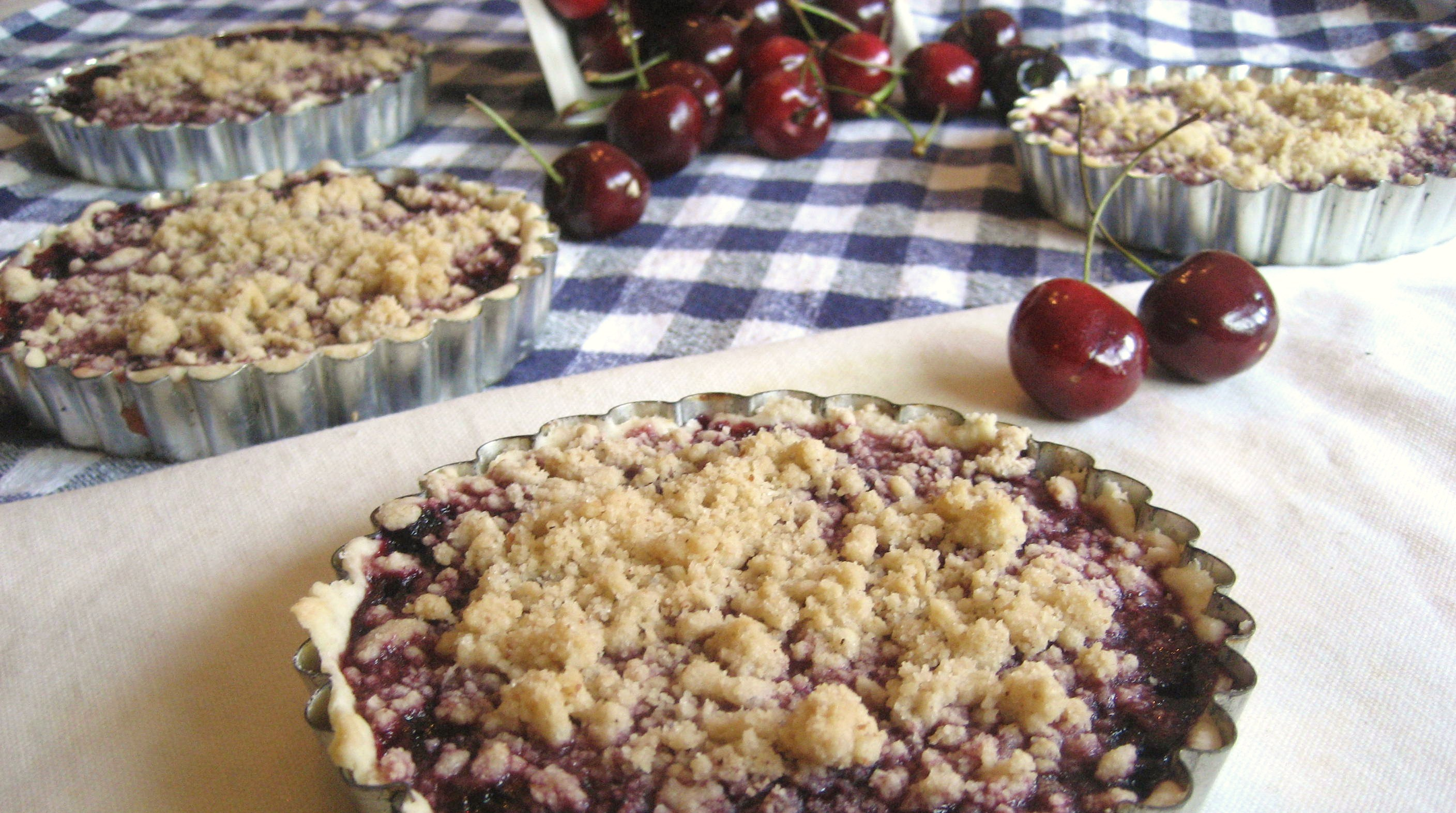 homemade cherry crumble cherry almond crumble this sour cherry crumble ...